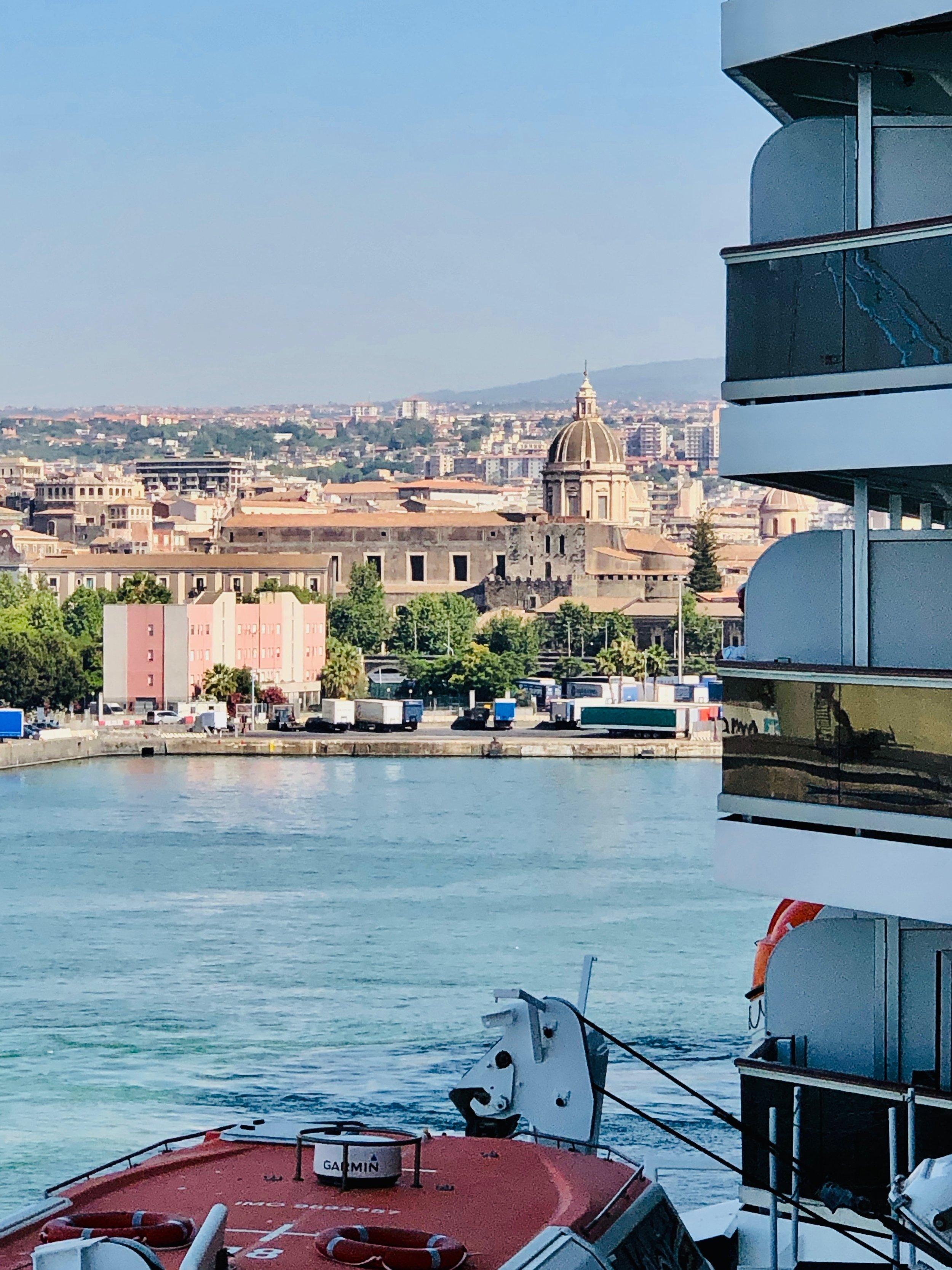 Catania in Sicily, the pretty part!