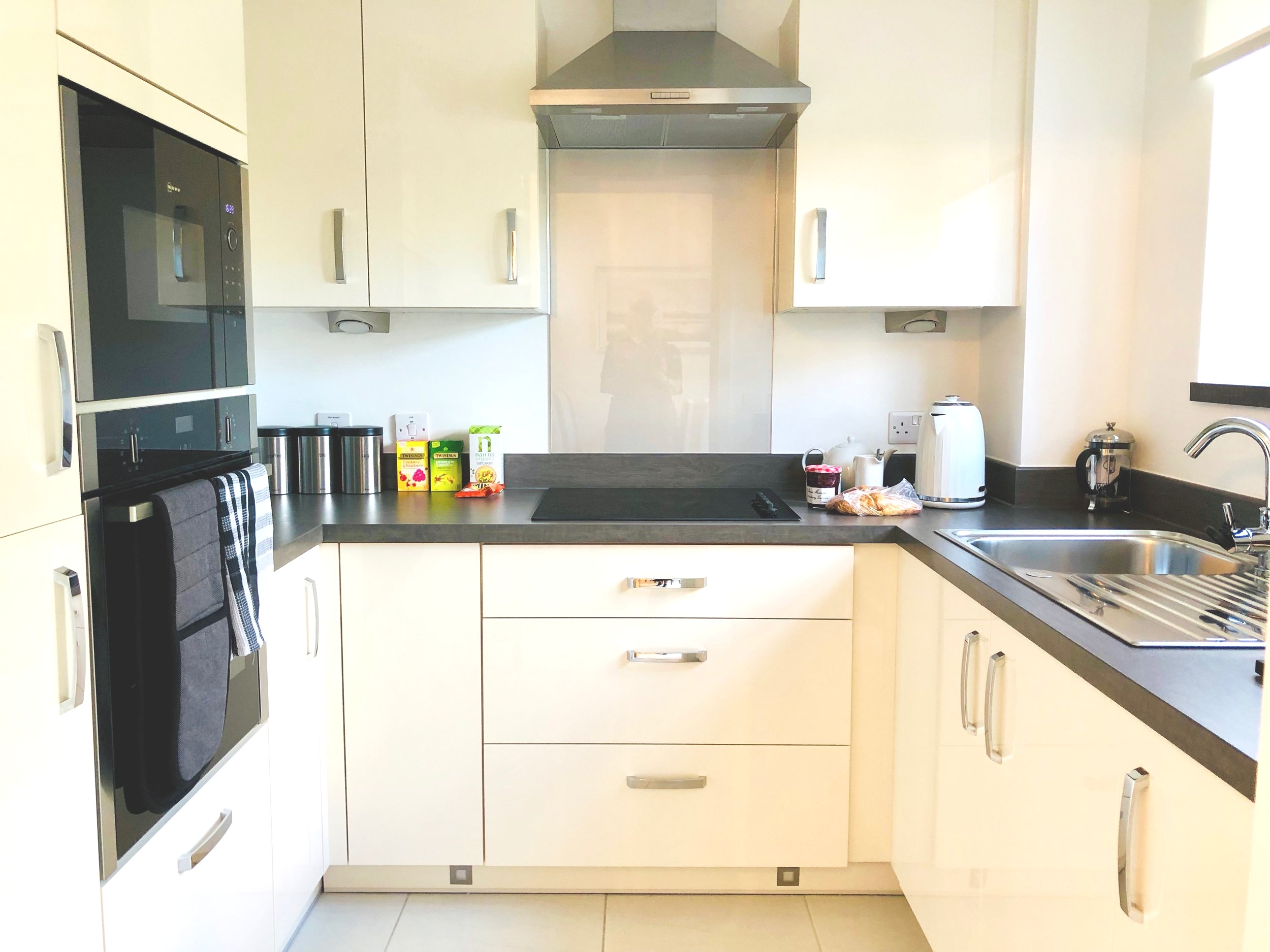 Well-planned kitchen in a 2-bed apartment.