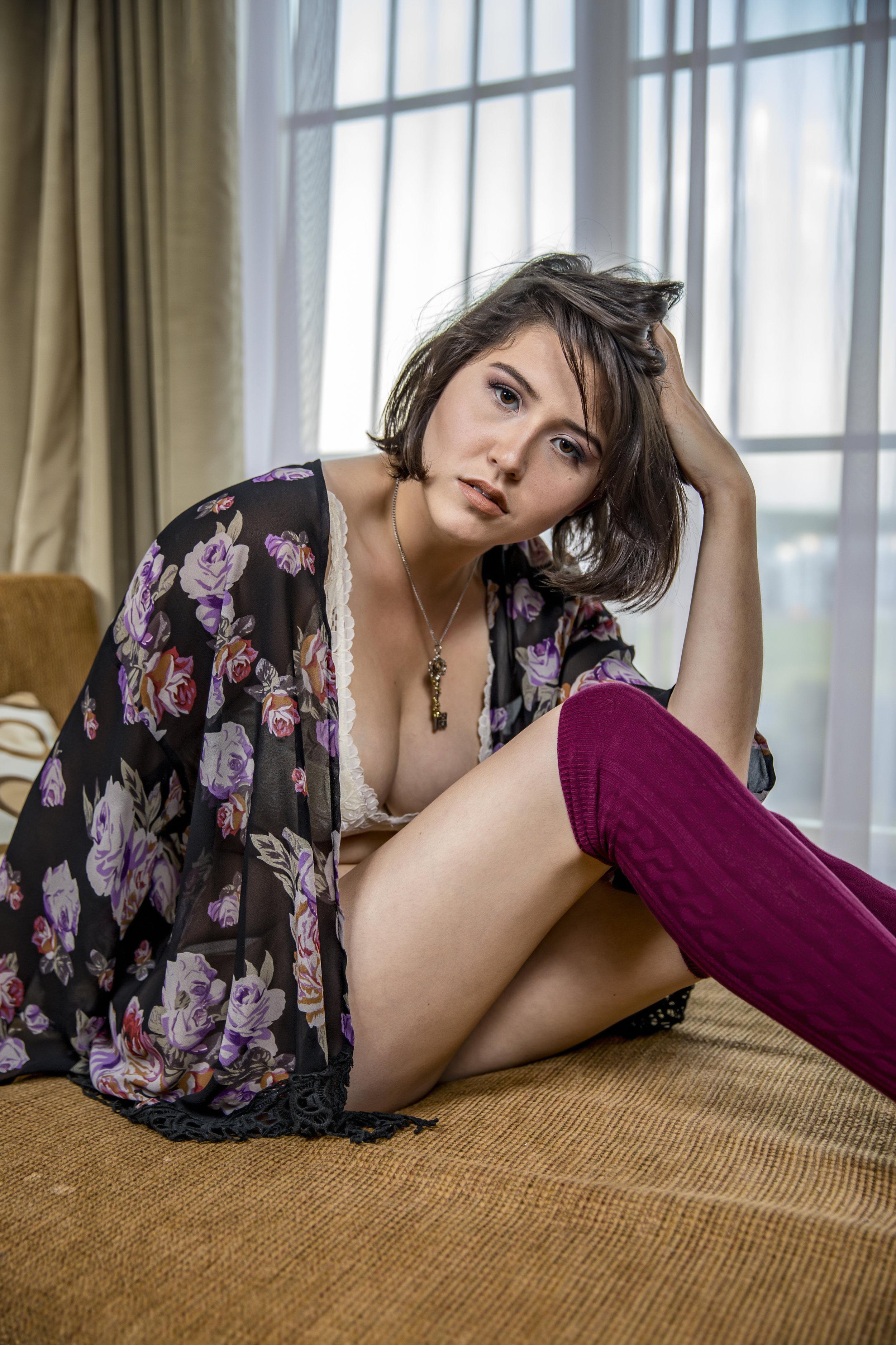 Jenny_Boudoir_IMGL2460.jpg