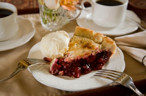 Home made pie (and ice cream if you want) is served 365-days a year as a treat at Berry Manor Inn. Photo by Jumping Rocks Photography.