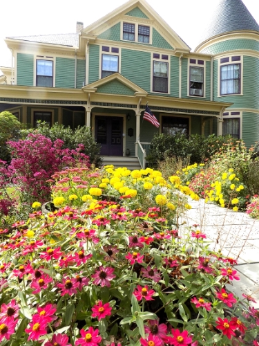 You'd think this photo of the LimeRock Inn's gardens was shot in the height of the summer, but it was taken in early October! Photo by Marti Mayne.