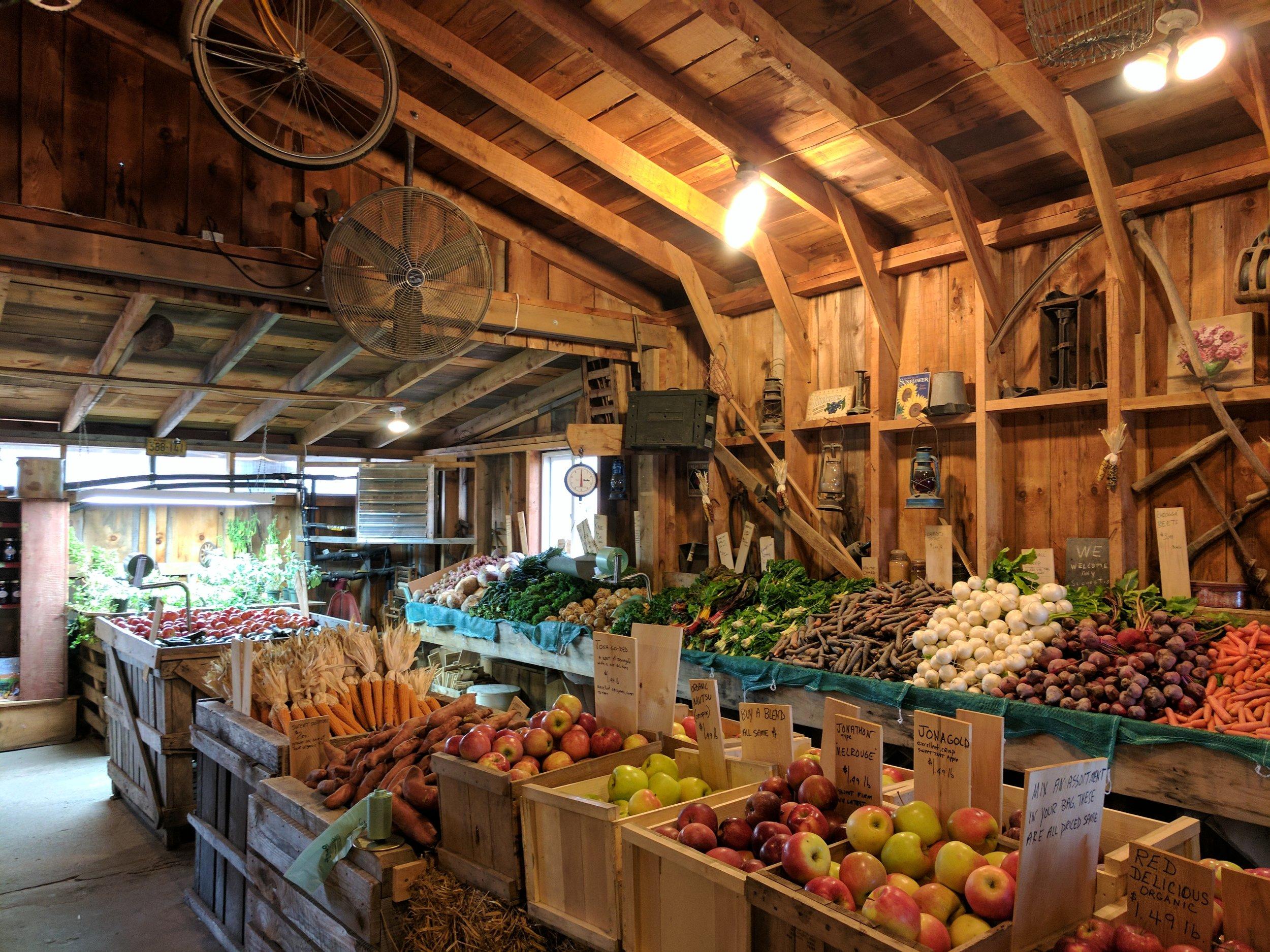 Beth's Farm Market, Warren