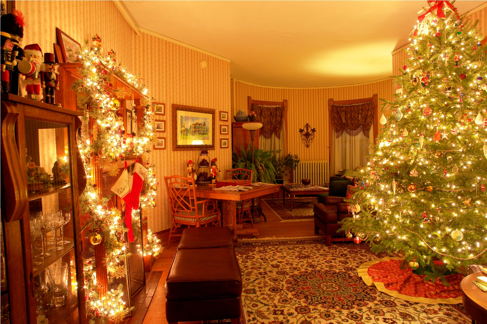 And the Parlor is aglow in warm light throughout the holidays. Credit: PJ Walter Photography.