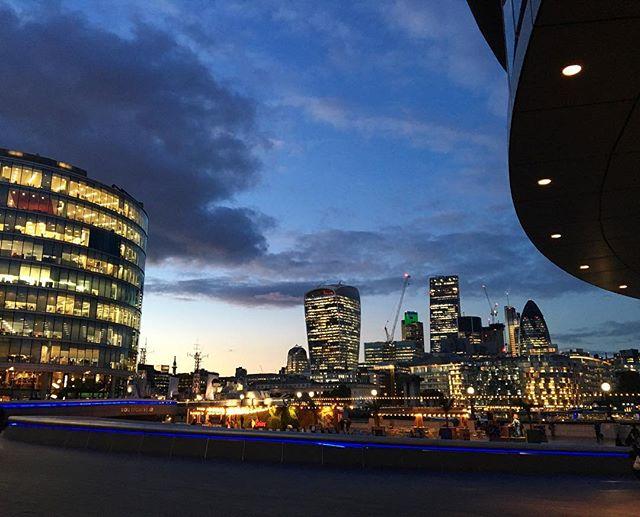 London you're purty  #richgirlskin #welcometothesisterhood #londonbridgecity
