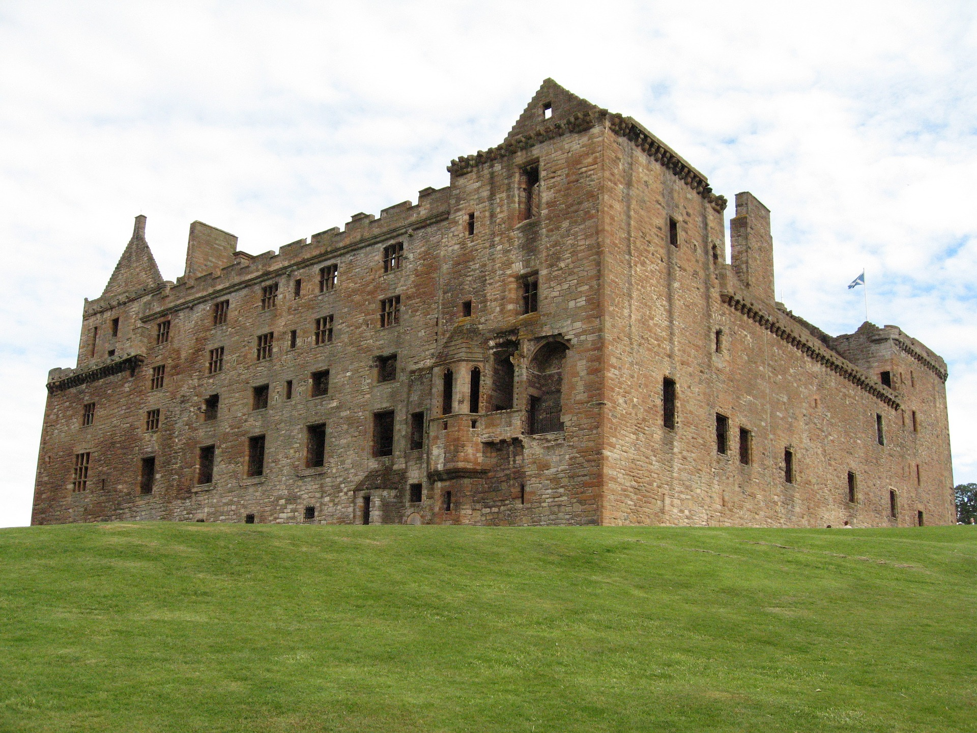 linlithgow-palace-2563251_1920.jpg