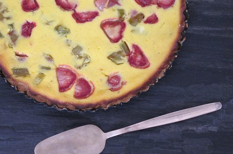 Klikk her for oppskrift på Jordbær- og rababarbraterte
