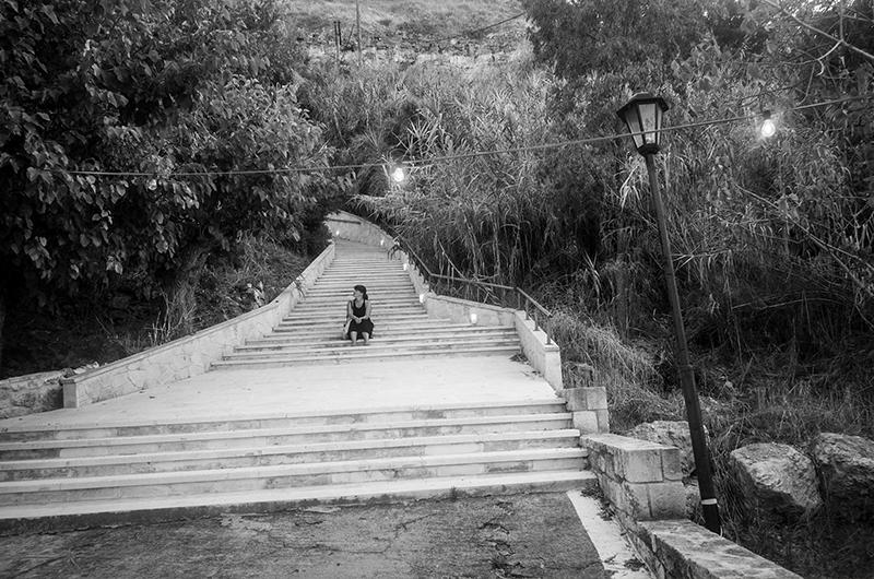 En liten pust i bakken før jeg tar fatt på alle trappetrinnene opp til byen! Foto: Espen Døhlen