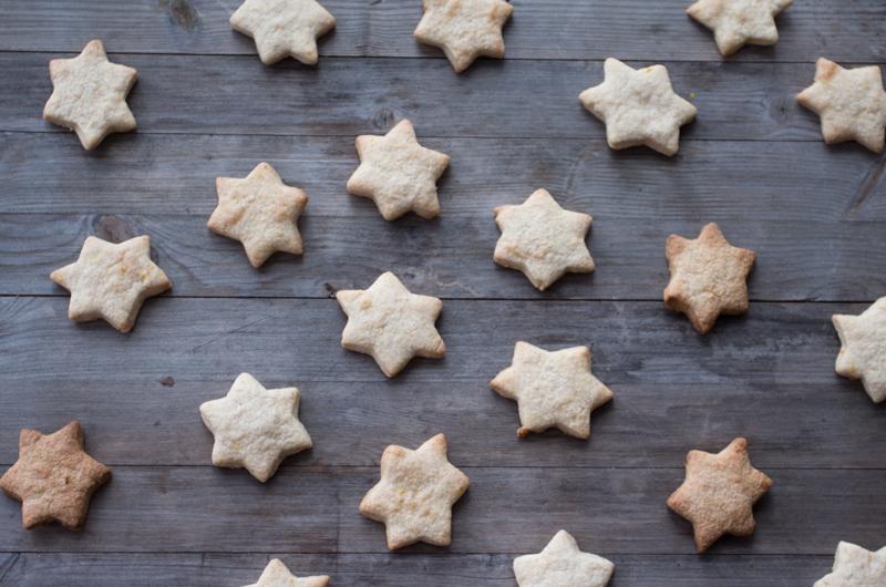 Bruk søndagen til å bake Vinterkjeks med marsipan (oppskrift kommer). Foto: Magevennlig mat v/Julia Edin