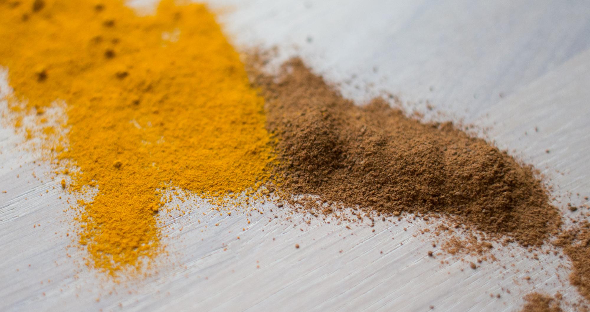 Fremover blir det mer mat med gurkemeie og kanel her i huset. I følge boken Food Pharmacy er disse to blant de mest antiinflammatoriske krydderene som finnes.