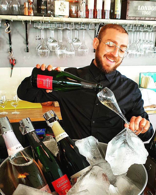 As the sun comes out to play our resident wine maker & shelf builder reminds you all our wines, not just the bubbles are available chilled for drinking in or taking away.  #sunsout  #chilledwine  #brixtonnightlife  #brixton #wineislife  #winestagram  #champagne  #cava #iceicebaby