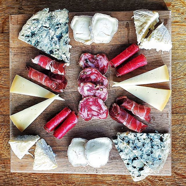 Just preparing the accompanying foods for this evenings wine tasting... #yummy  #delicious  #cheese  #charcuterie  #winepairing  #winetasting  #winestagram  #foodporn  #brixtonnightlife  #brixtonwine  #getinmybelly