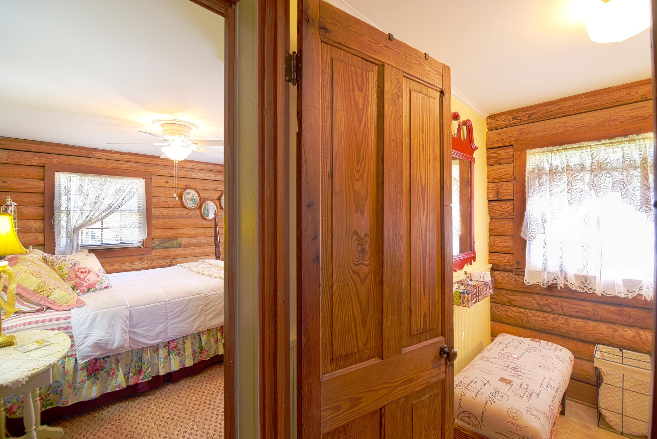Cabin-7.jpg