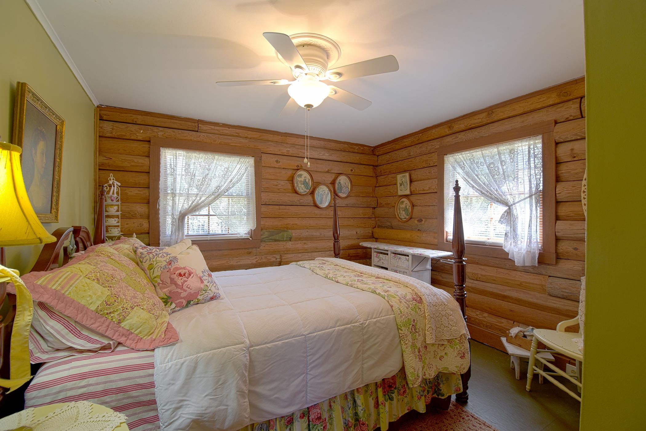 cabin-12.jpg
