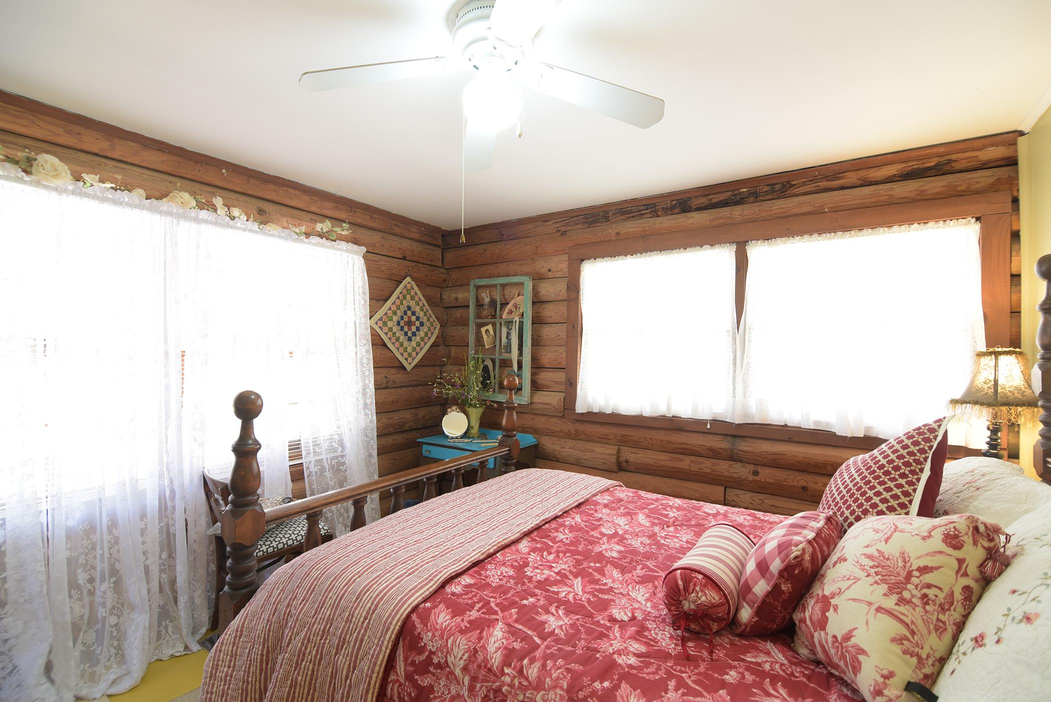 cabin-17.jpg