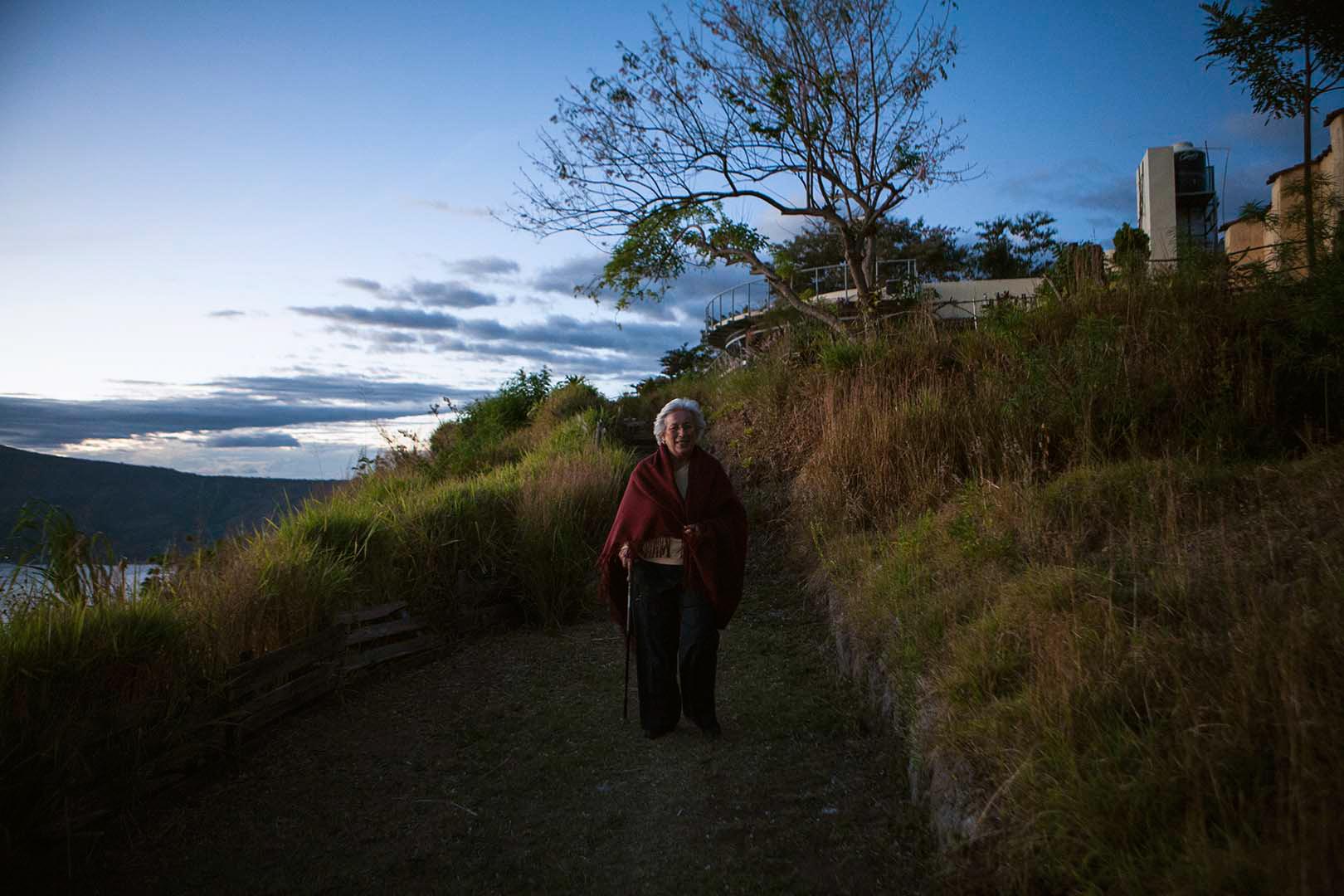 Janine in 2007 at home near lake Coatepeque in El Salvador. (Photo: Susan Sterner.)