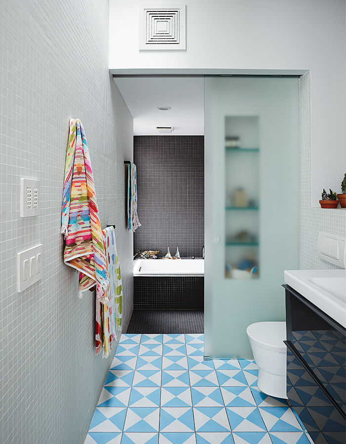 practical_magic-brooklyn-renocation-bathroom-sliding-glass-door.jpg