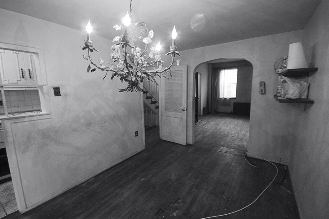 practical_magic-brooklyn-renocation-before-workmans-cottage-living-room.jpg