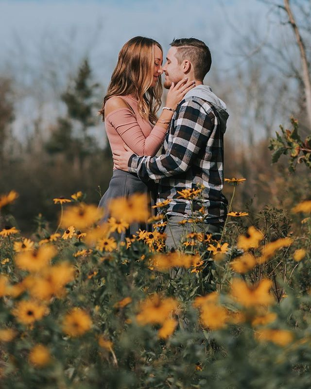 Can't wait to photograph these two on their special day✨💍 #weddingphotography #weddingseason #engagementphotos #engagementphotographer #rookeandrovercrew #hannahseverphotography #wedding