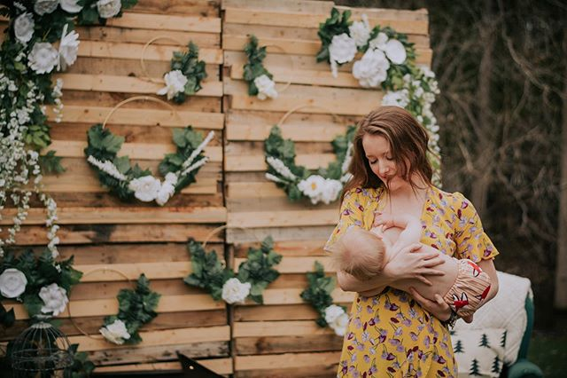 The one thing I love about what I do is capturing ethic moments & this moment between these two is raw & natural💕 Mums are awesome & women's bodies are incredible, embrace it! A sneak peak of one of the many Mother's Day mini sessions I've done... little backed up on posting so get ready for a whole lot of cuteness in the next couple of weeks! If you'd like to book, full details are linked in my bio!