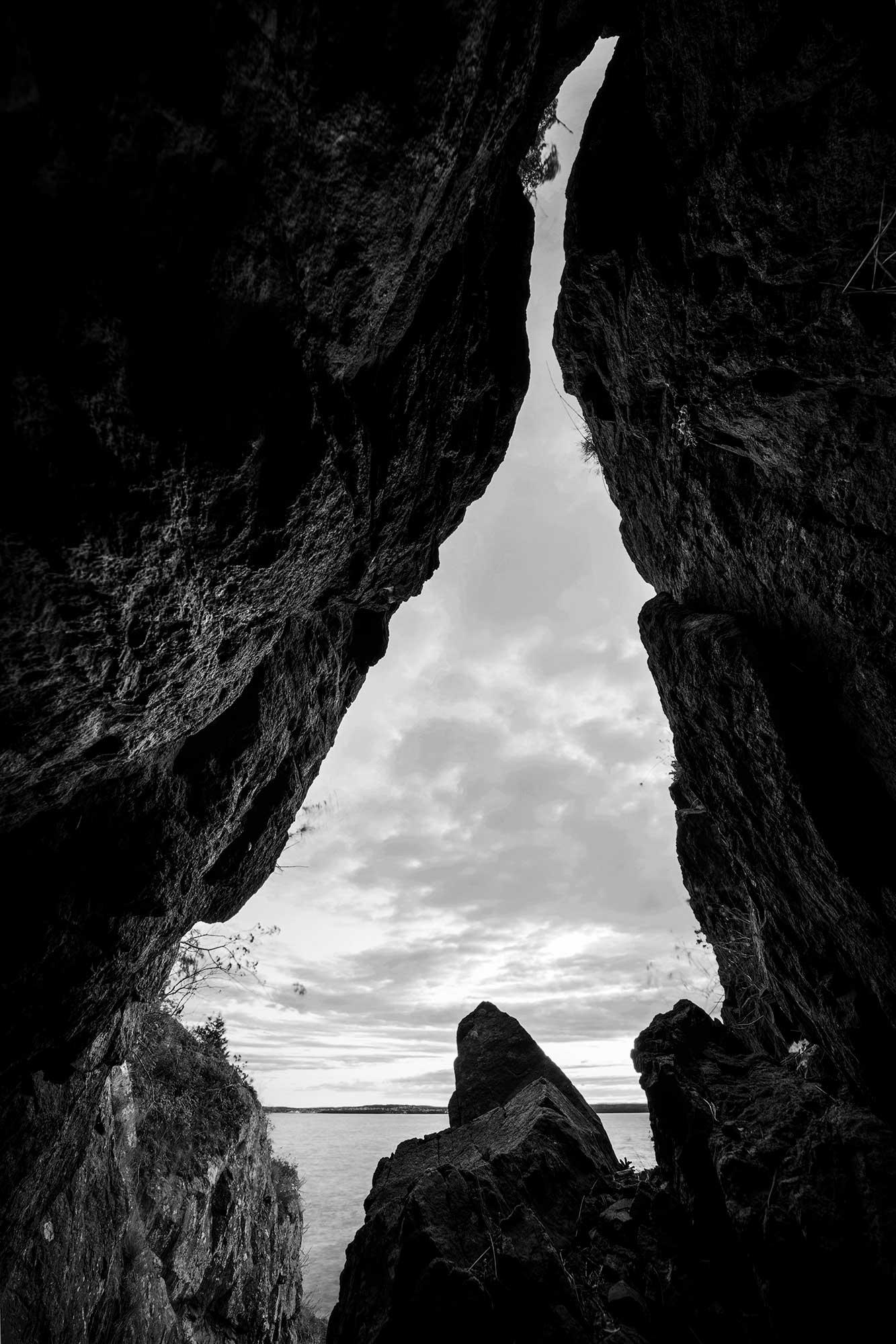 Sprekken - en liten hule ved Rambergnebba.