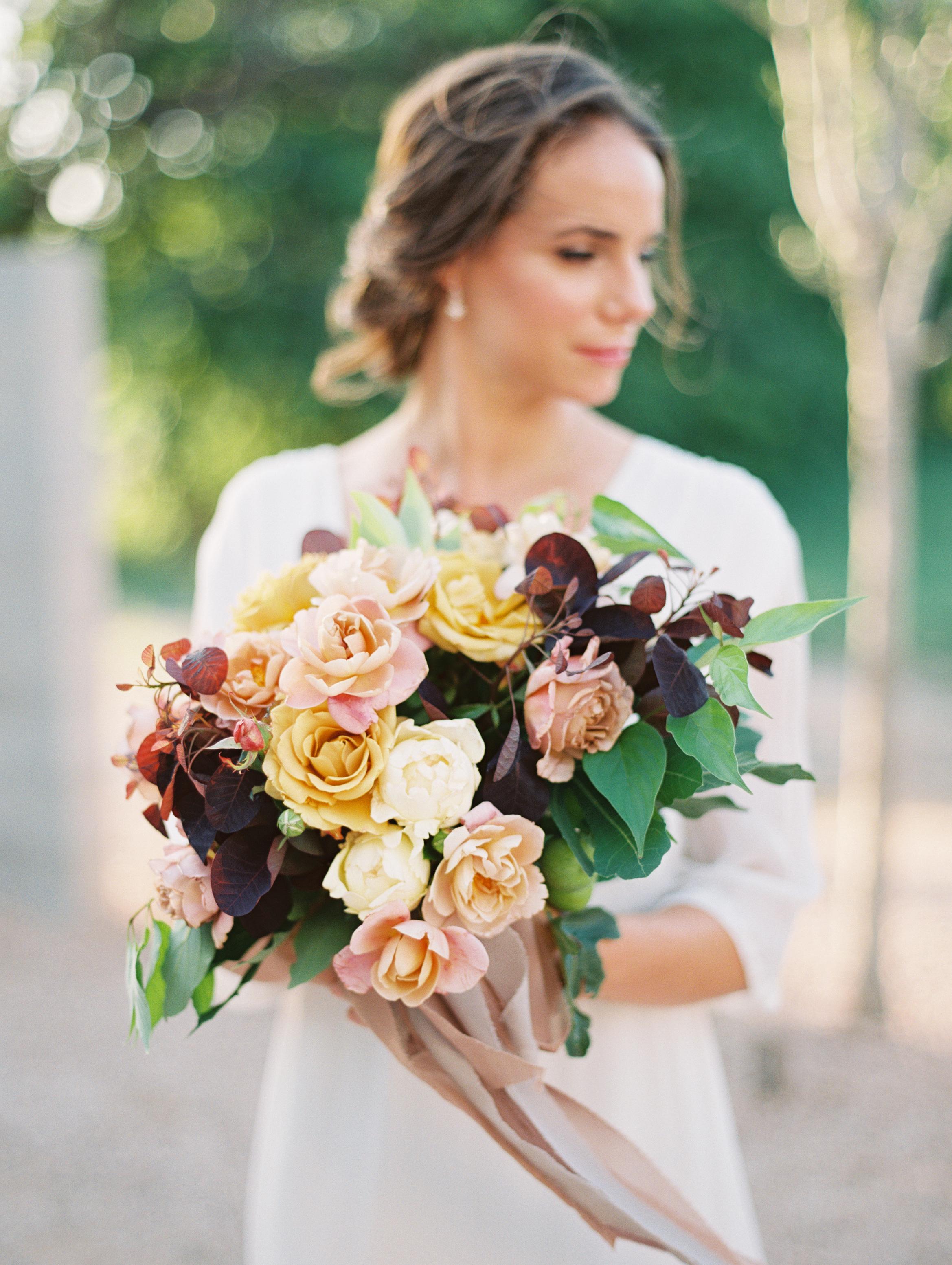 photo:  ALLEN TSAI / florals:  M  OSS FLORAL