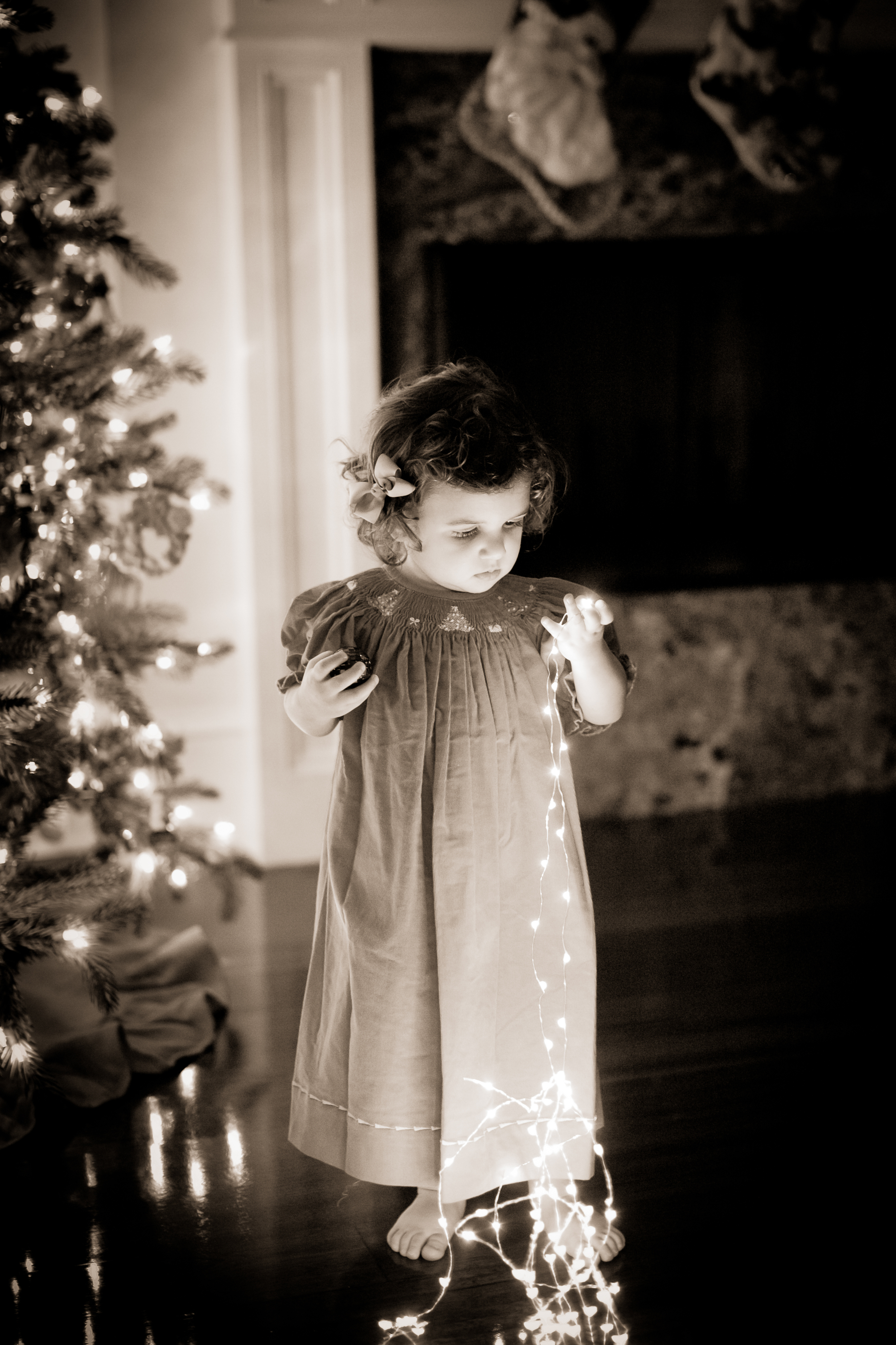 cjnphotos_innocence_children_christmas.jpg