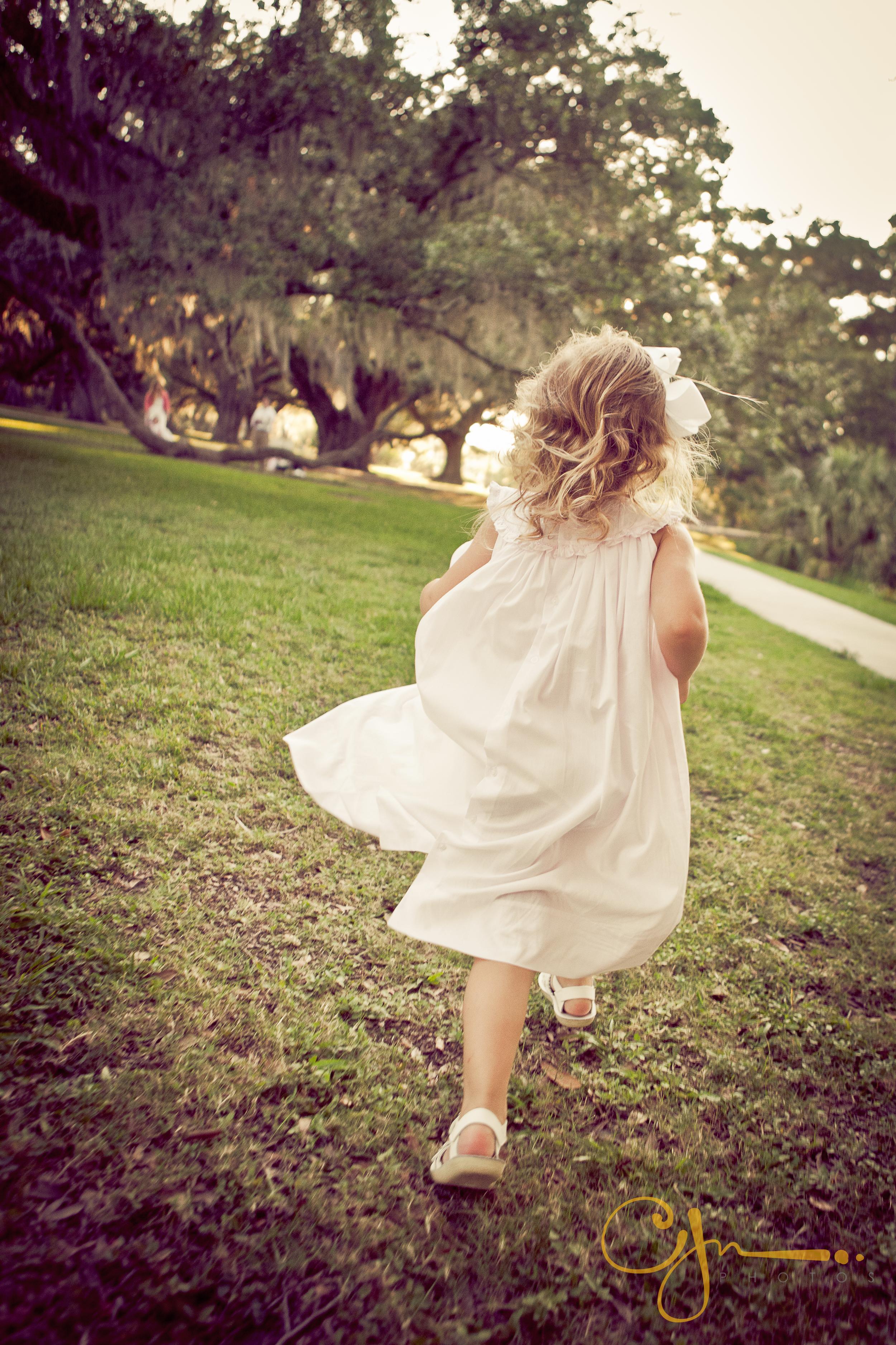 cjnphotos_innocence_children_running.jpg