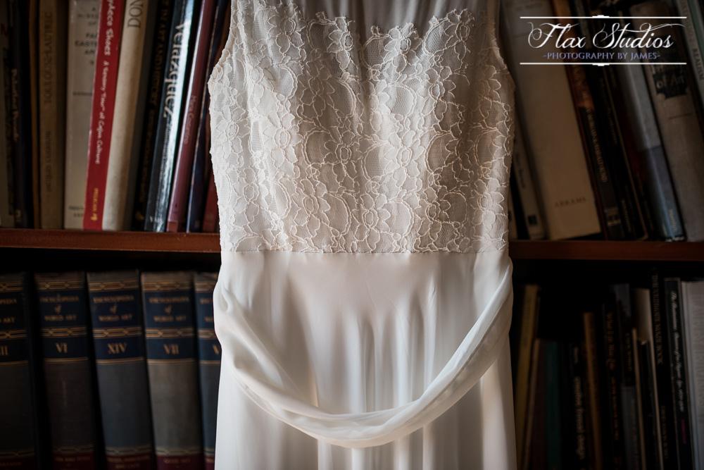 Brides dress details - creative shots