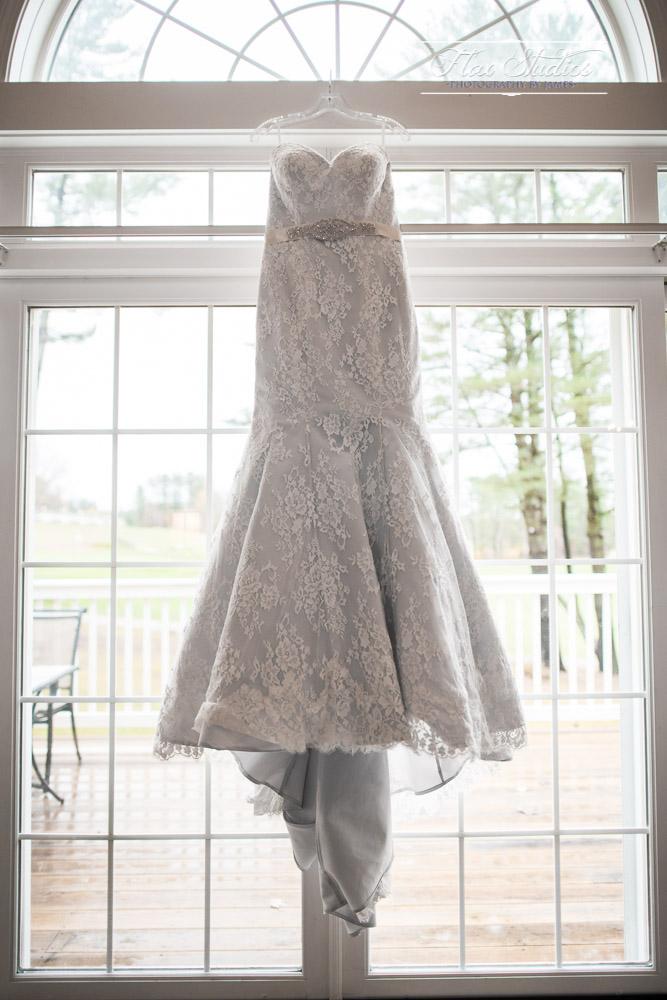 Wedding Dress Bethel Inn Photographers