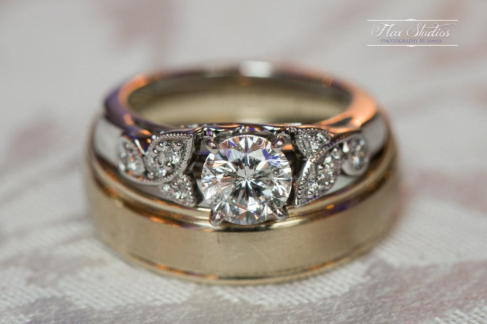 Wedding ring details shot Nikon 105mm 2.8G Micro