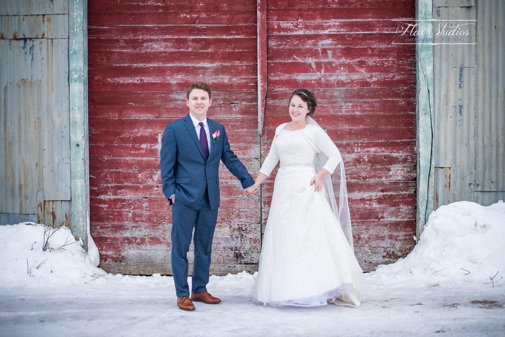 barn red door wedding photograph
