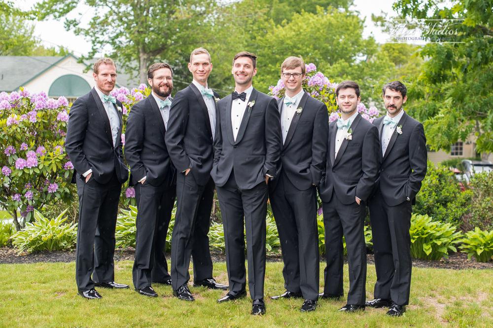 groomsmans photos