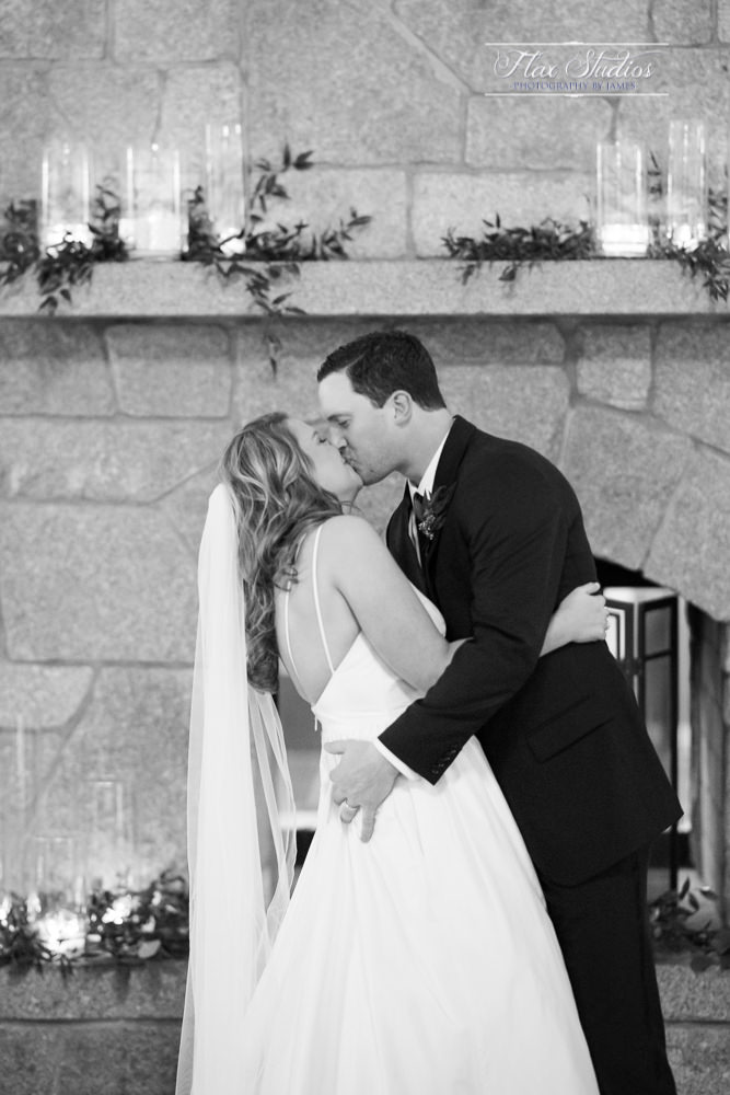First kiss at the alter