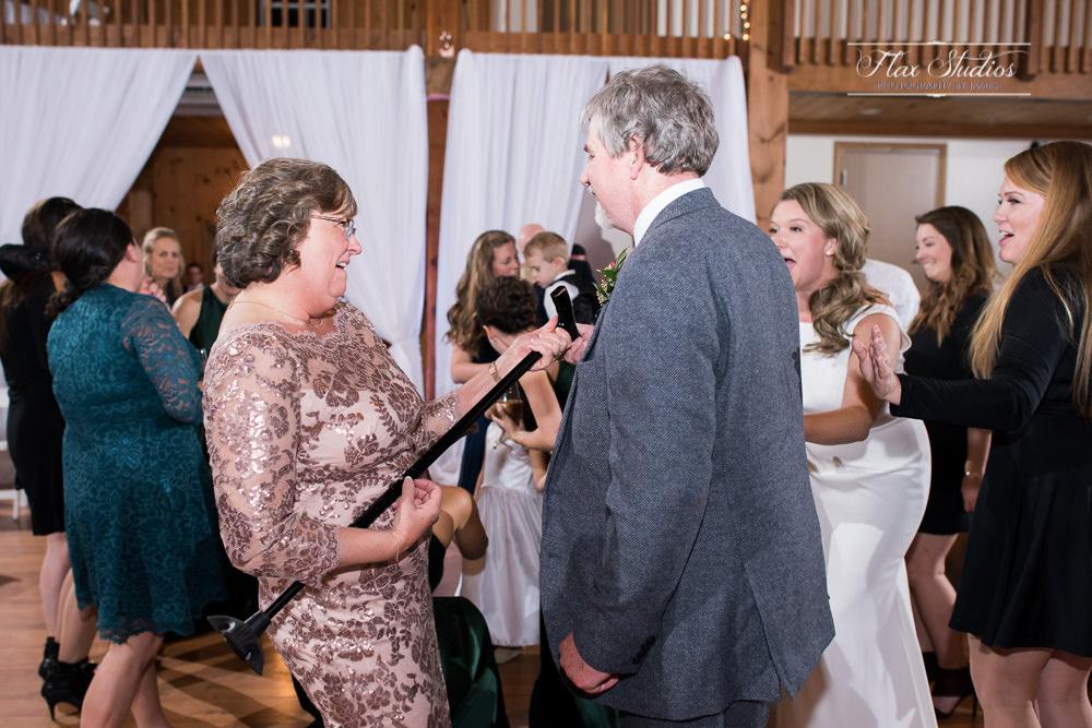 fun wedding reception dancing photos