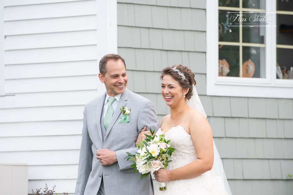 dad walking his daughter down the aisle