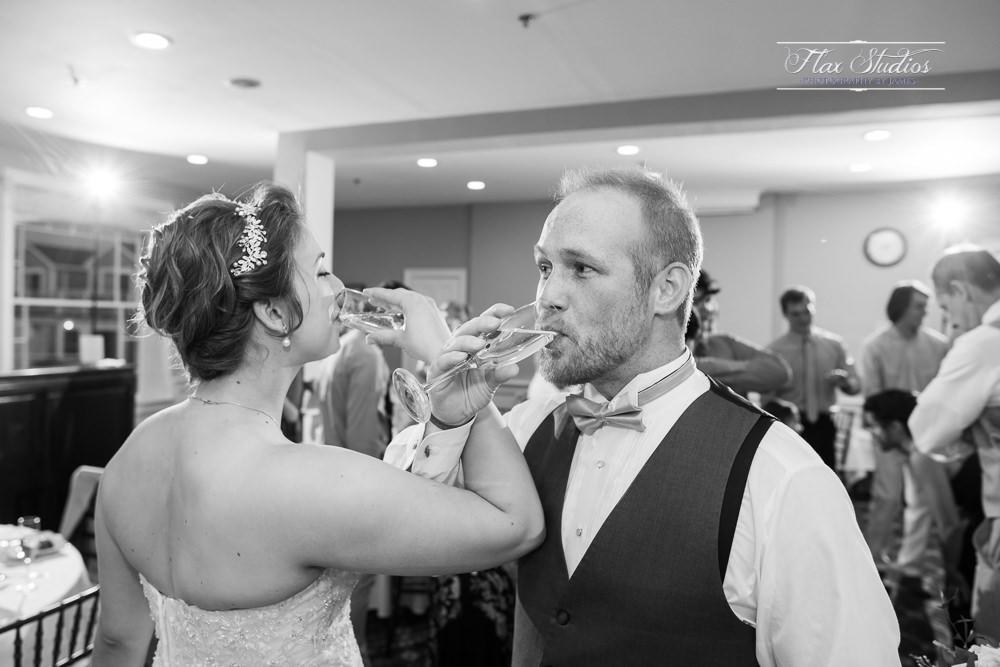 Bar Harbor Inn Wedding Photographers-137.jpg