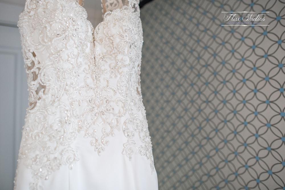 Nebo Lodge wedding dress photos