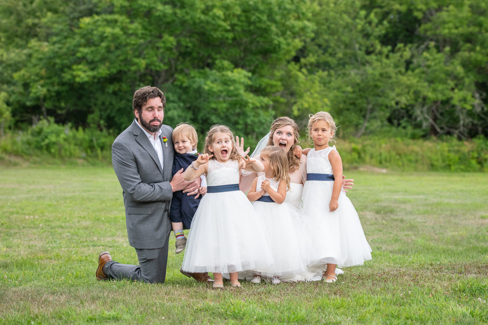 funny wedding photos with kids