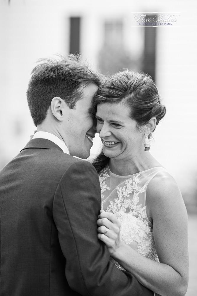 romantic black and white wedding photos