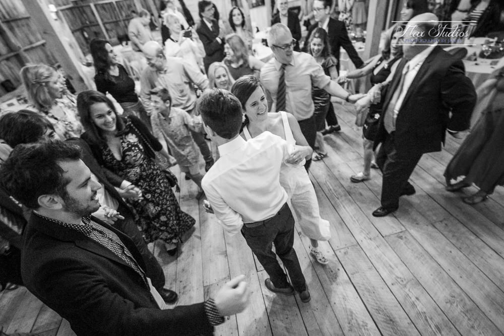 end of the night wedding guest dances
