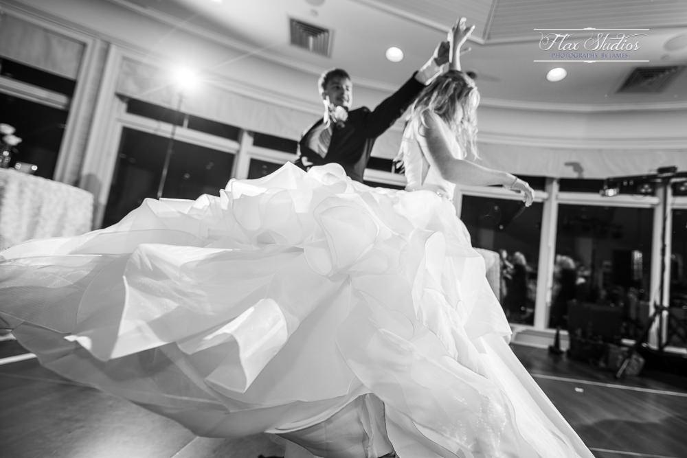 epic wedding dancing photos flax studios