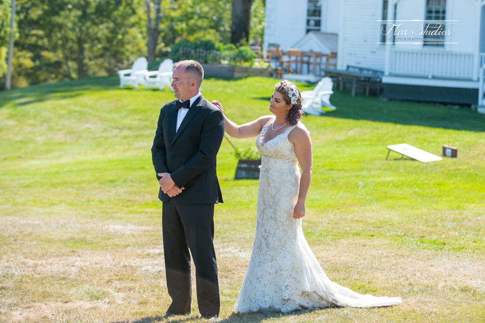 bride and groom first look ideas