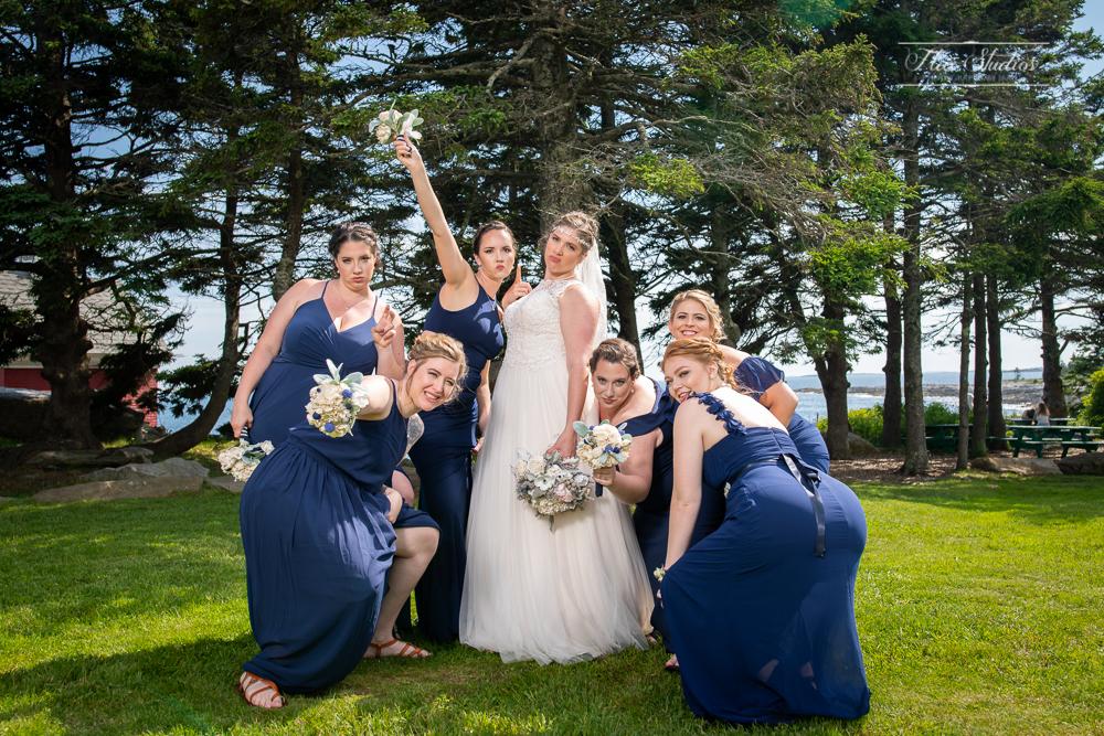 fun bridesmaid photo ideas
