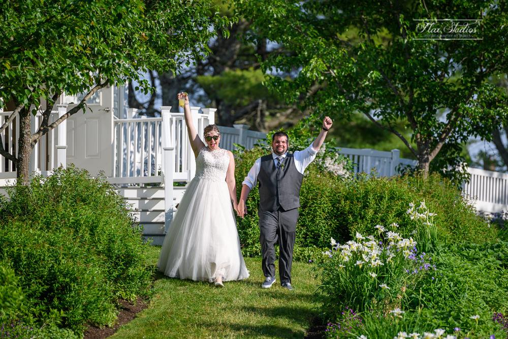 1812 Farm wedding entrance