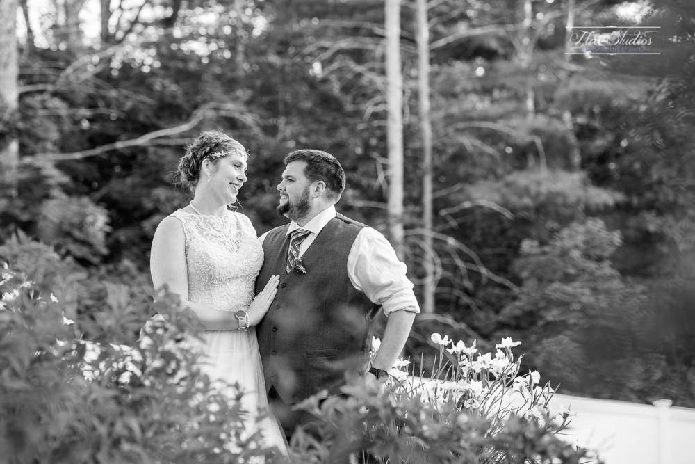 black and white wedding images at the 1812 Farm