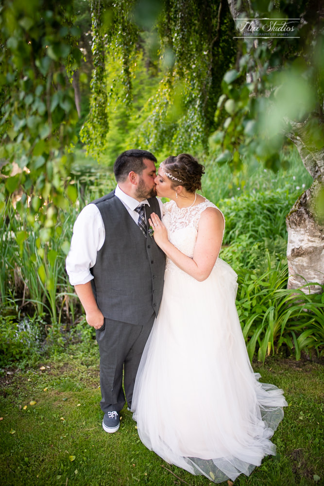 romantic wedding photos the 1812 farm in bristol maine