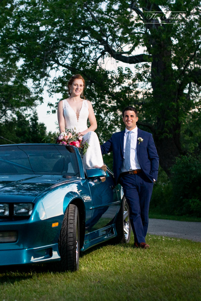 Creative car wedding photos