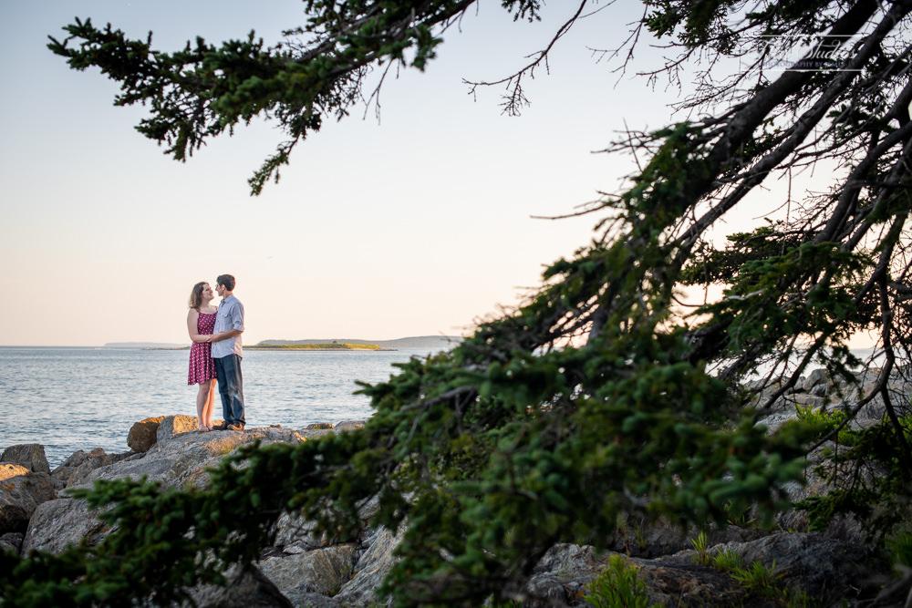 Marshall Point Lighthouse Engagement Photos-10.jpg