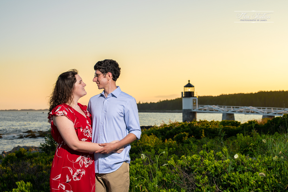 Marshall Point Lighthouse Engagement Photos-19.jpg