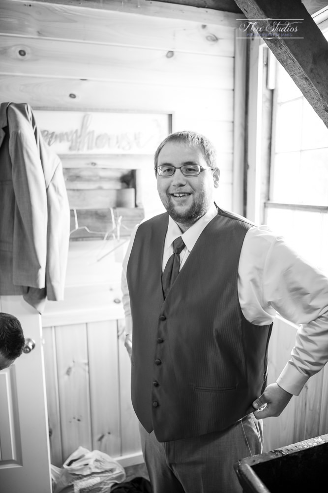 The Timber Hitch Farmhouse Wedding Photographer-18.jpg